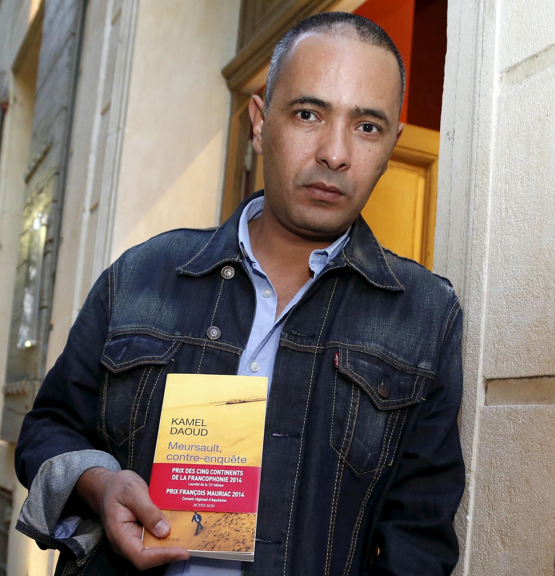 """L' écrivain journaliste Kamel Daoud est de passage a Arles son livre """" Meursault contre enquete"""" aux éditions Actes sud il est finaliste pour le Goncourt"""